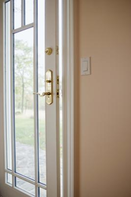 How To Repair An Exterior Door That Doesn T Shut Tight Ehow