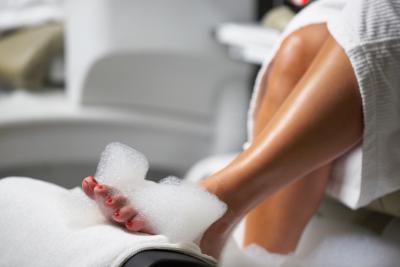 How To Treat A Toenail Injury Ehow
