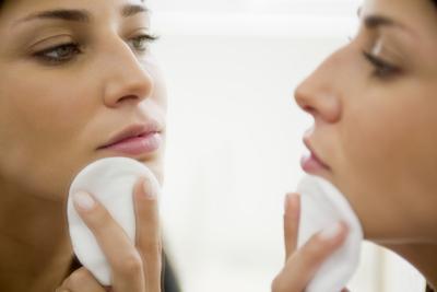 Should Vanity Lights Hang Over Mirror : How High Should I Hang a Bathroom Mirror? eHow