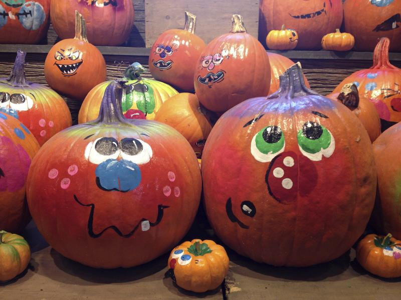 How To Paint Cute Pumpkin Faces On Pumpkins Ehow