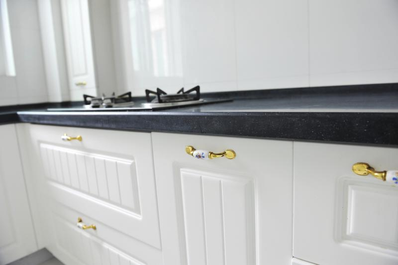 How to reface kitchen cabinets with white merillat rigid for Thermofoil cabinets