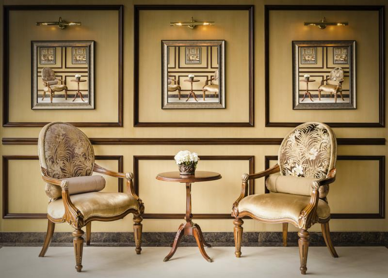Difference Between Traditional Contemporary Furniture Ehow
