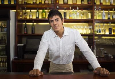 Bartender Duties u0026 Responsibilities (with Pictures) | eHow