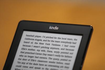 How to Switch a Kindle to Night Settings | It Still Works