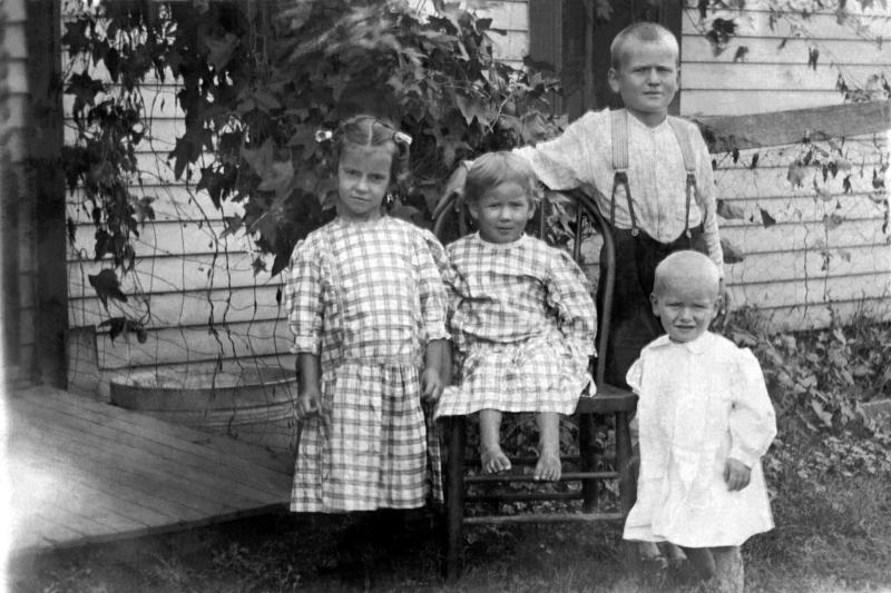 Children's Clothing From the 1920s