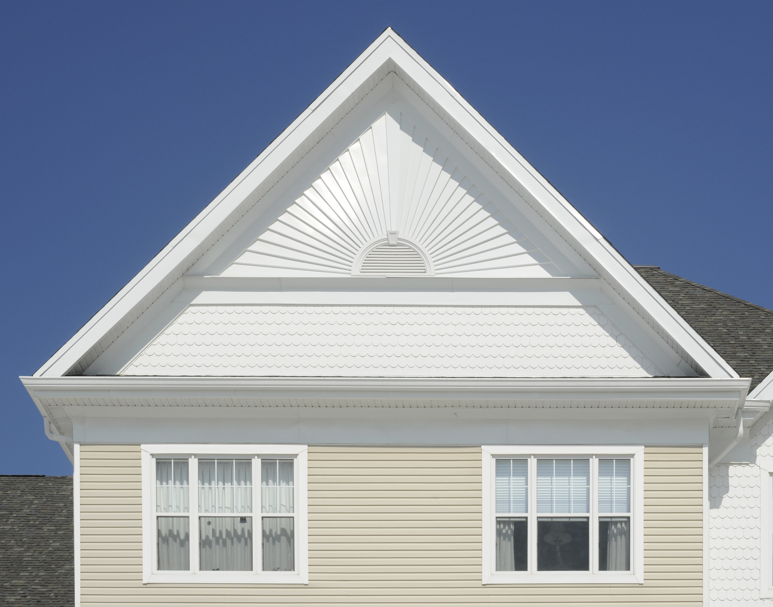 Difference Between The Gable Roof And The Hip Roof Styles