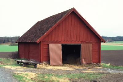 Things to build with old barn lumber ehow for How to treat barn wood for bugs