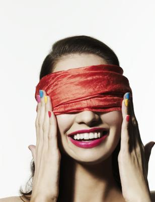 how to make blindfolds for games