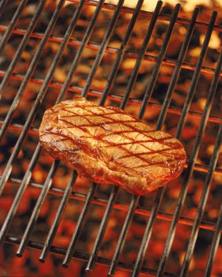 how to cook a new york steak in the broiler