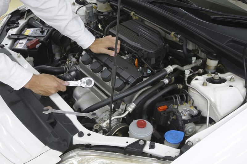 Signs & Symptoms of a Clogged Fuel Filter | It Still Runs