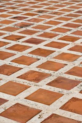How do you remove ceramic tile