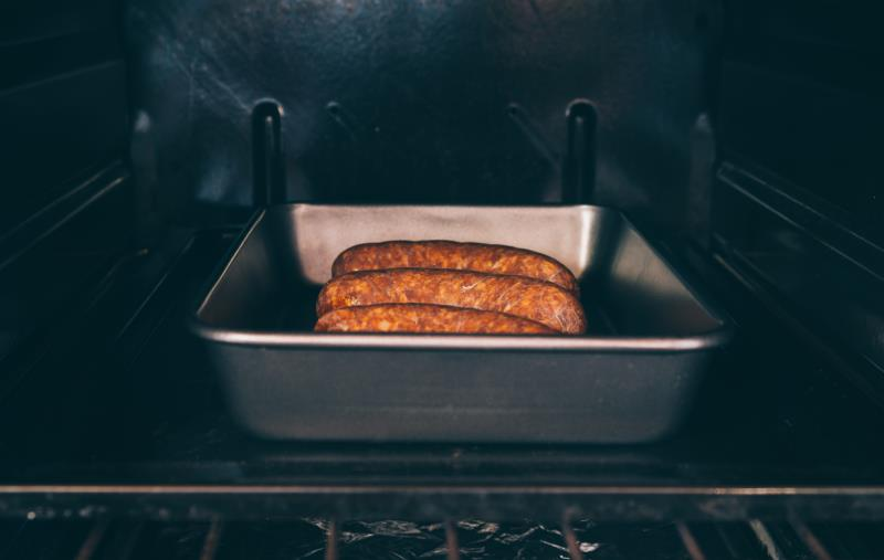 How to Cook Turkey Bratwurst in the Oven   LIVESTRONG.COM