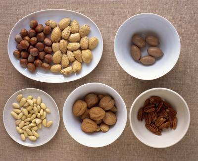 Nuts, a good replacement, carbohydrate foods, glycemic control