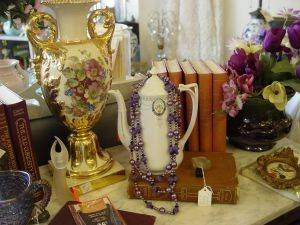 How to Find Out the Value of Vintage Religious Items | Our Pastimes