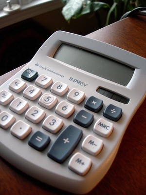 How to Make a Fraction on a Scientific Calculator