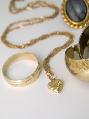 6be125a435df ¿Cuál es la mejor manera de vender alhajas de oro