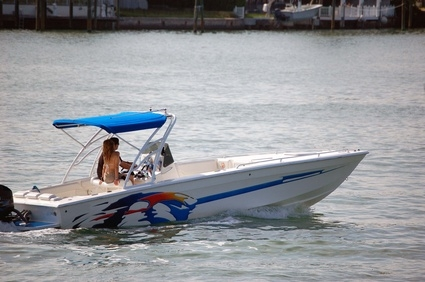 How to Adjust the Idle on a 48 HP Evinrude