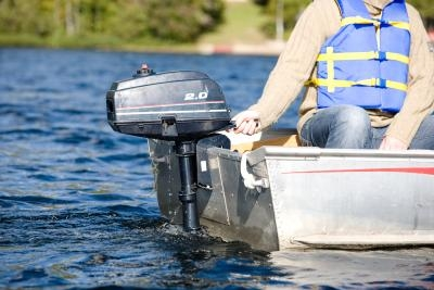 How to Adjust the Carburetor on a 40-HP Evinrude Outboard
