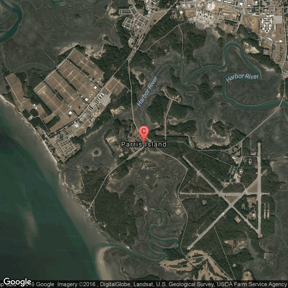 . airports close to parris island  getaway usa