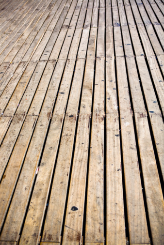 How To Clean A Wooden Deck Before Staining