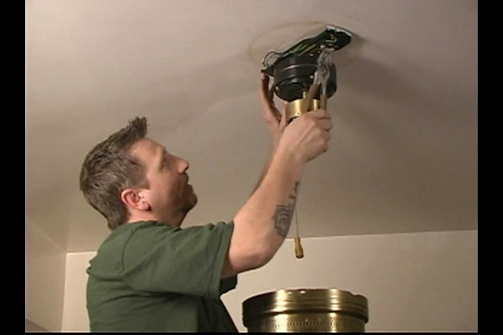 Video How to Remove the Old Ceiling Fan Base
