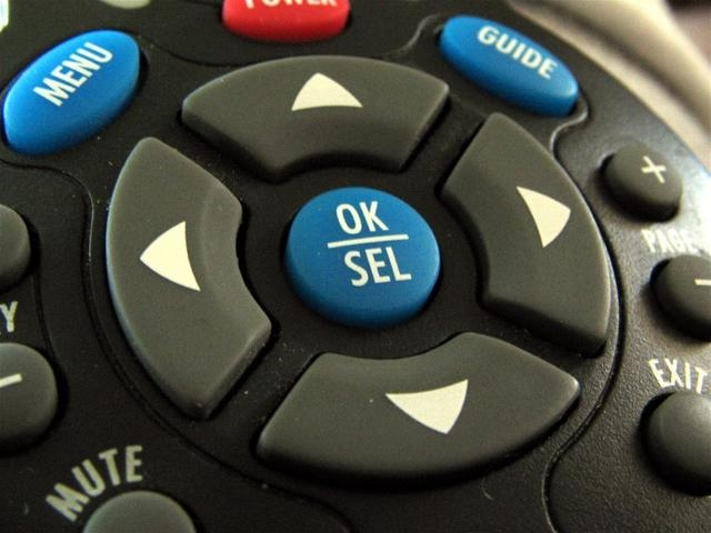 How to Program a U-verse Remote Control to Control the