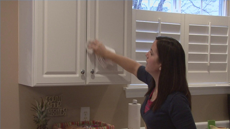 Video: How To Clean Wood Kitchen Cabinets   EHow