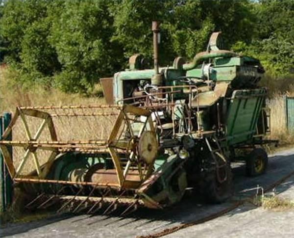 The History of John Deere Combines | It Still Runs