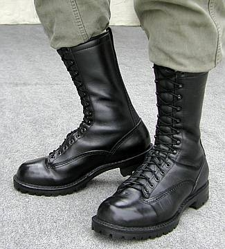 How to Lace Shoes in the Military
