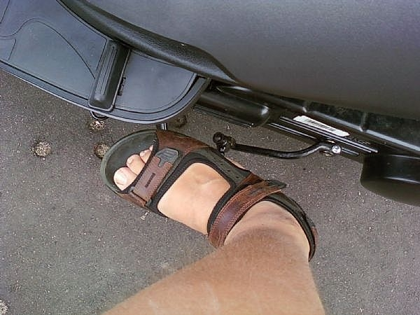 How to Kick Start a Moped / Scooter | It Still Runs