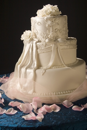 wedding cakes meaning what is the meaning of wedding doves with pictures ehow 25007