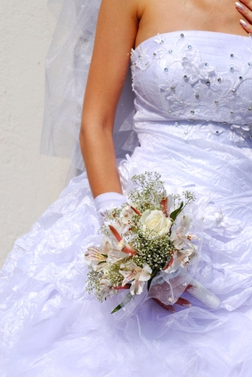 How to remove water stains from a polyester wedding dress for Wedding dress stain removal