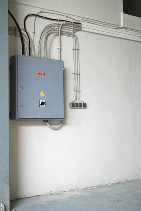 how to wire a 220v hot water heater homesteady. Black Bedroom Furniture Sets. Home Design Ideas