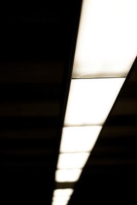 Fluorescent light ballast testing