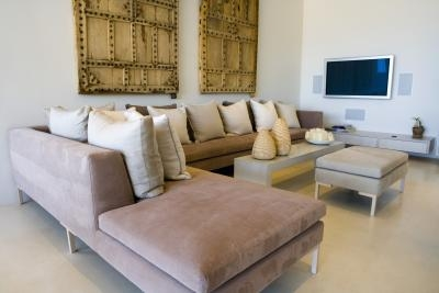 Sectional Sofa Decorating Ideas for Small Living Rooms | HomeSteady