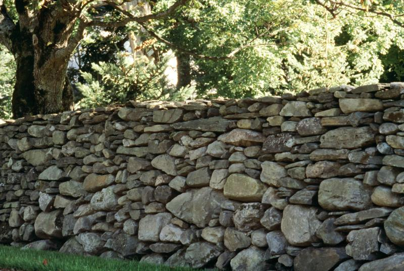 What Is The Meaning Of Mending Wall By Robert Frost Pen And The Pad