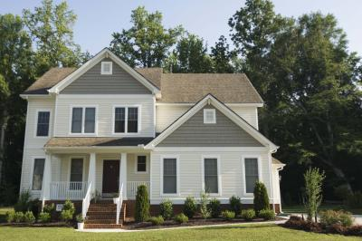 How To Remove Pollen Stains From The Exterior Of A House