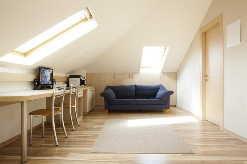 How to heat and cool the attic in a home homesteady for Attic air circulation
