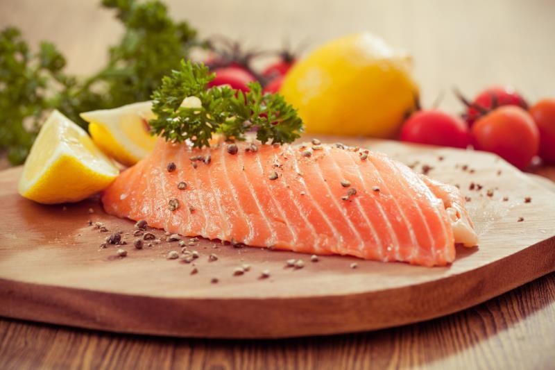 Nutritional value of steelhead trout vs salmon nutrition for Salmon fish nutrition